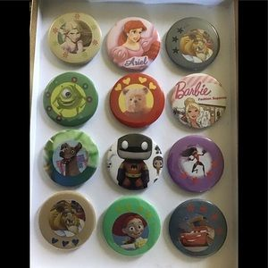 Set of 12 Buttons/Pins New with no tags